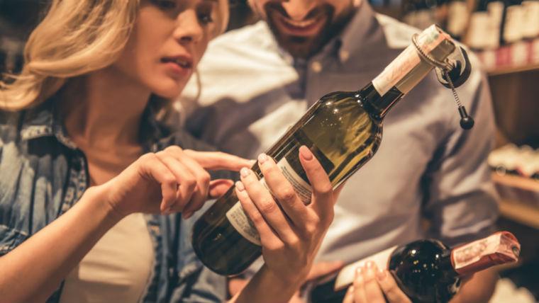 Az agyunk becsap minket: jobban ízlik a drágább bor