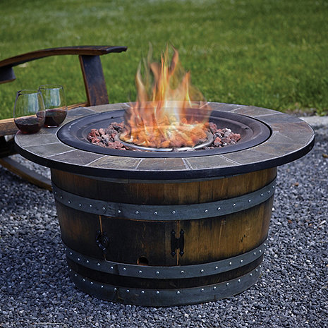 Stílus: boroshordóból készült tűzrakóhely